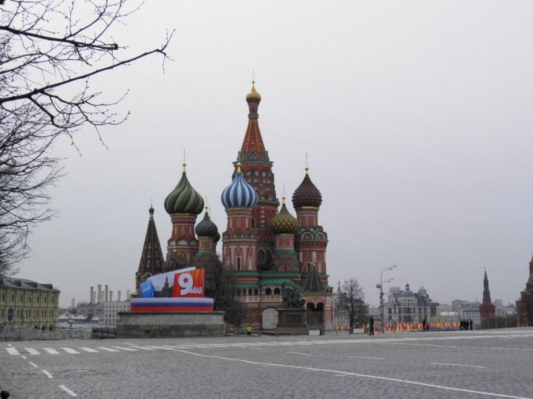 Η κόκκινη πλατεία ετοιμάζεται για την μεγάλη παρέλαση στις  9 Μαη.