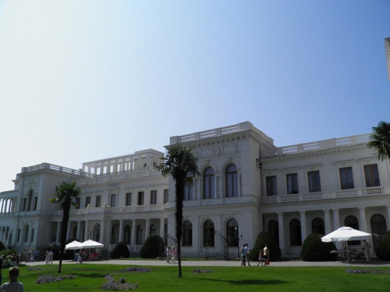 Το παλατι της Λειβαδειας ,οπου και υπογραφηκε η περιφημη συμφωνια της Γιαλτας το 1945