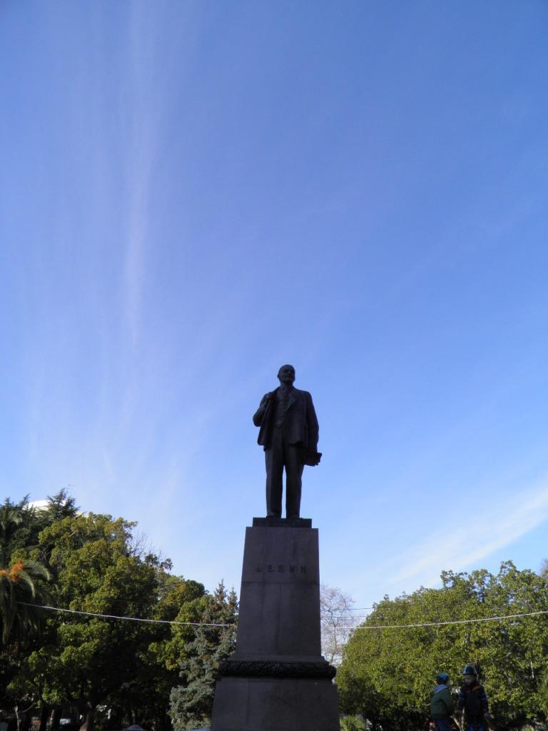 Ο Λένιν στην κεντρική πλατεία .