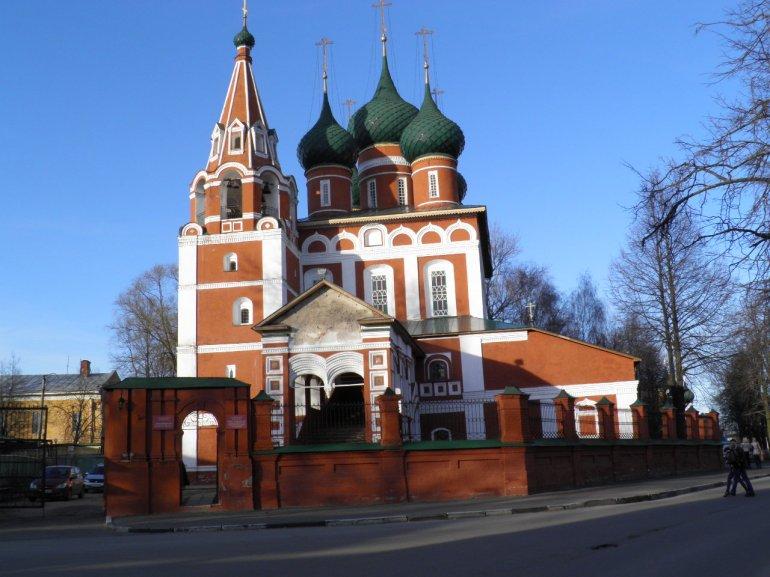 Στ. John the Baptist Church , που χρονολογείται από το 1680, είναι το αποκορύφωμα της παραδοσιακής ρωσικής αρχιτεκτονικής